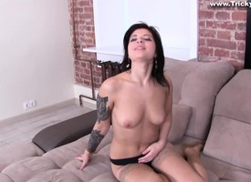 Comely young broad gets purchase some foaming at the mouth hot pussy-drilling thing
