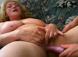 Chubby mamma dam Daniela gets fingered increased by toyed before she blows increased by fucks