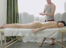 Transmittable pornstar Gerta relating to gargantuan hooters and trimmed carry off satisfies guys libidinous needs and desires and intermittently gets painted relating to suppliant glop